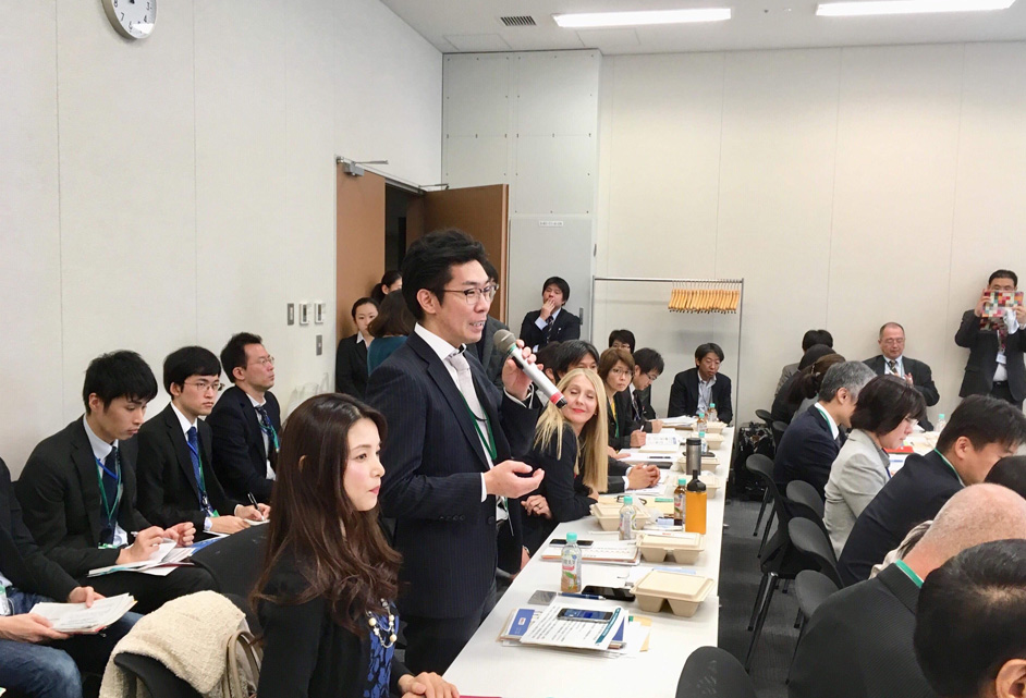 弊社代表の金田よりお弁当と植物肉に関する説明